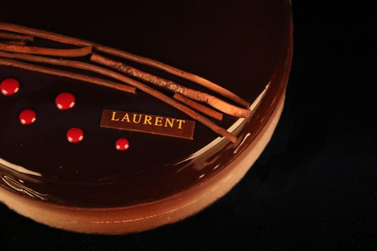laurent-bakery-black-forrest-large
