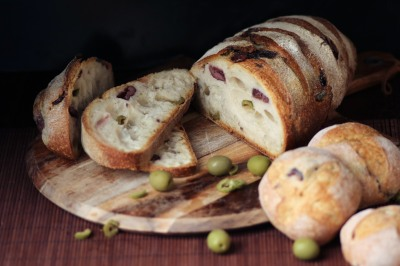 laurent-bakery-olive-bread-loaf